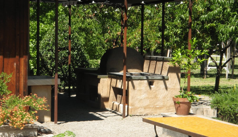how to design an outdoor kitchen