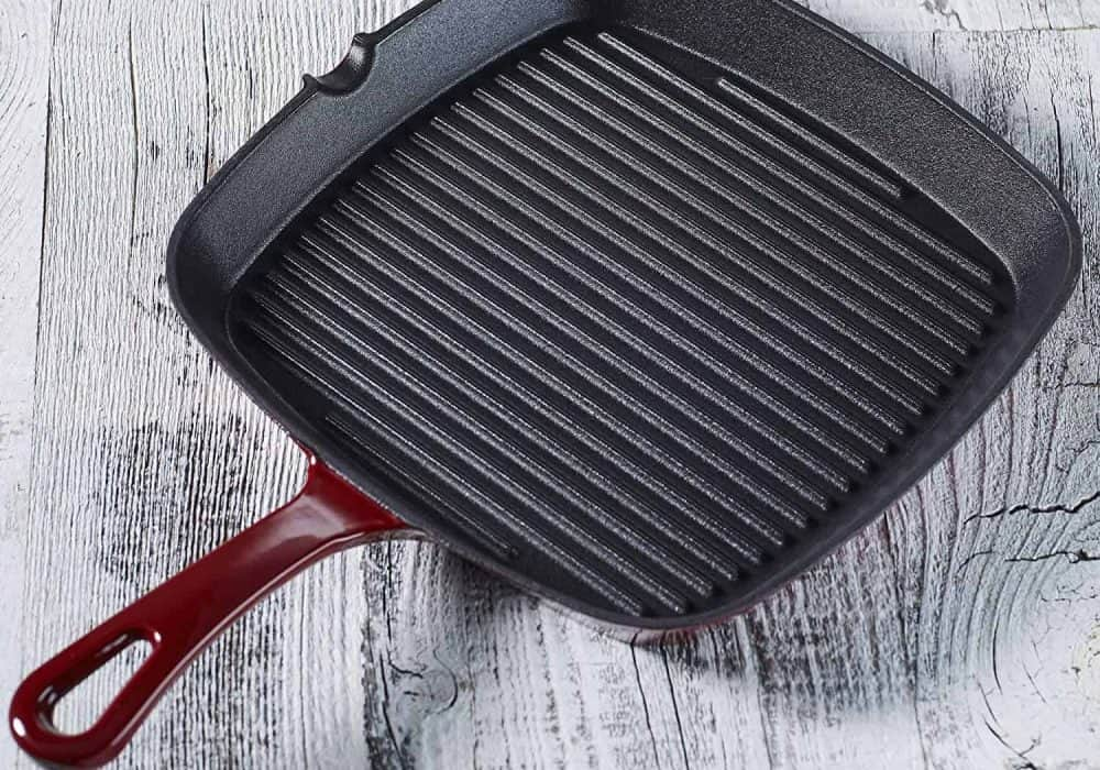 Tips for Cooking with Cast Iron on the Grill