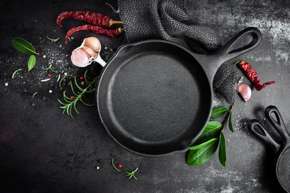 11-Benefits-of-A-Cast-Iron-Pan-–-Why-Do-You-Need-One